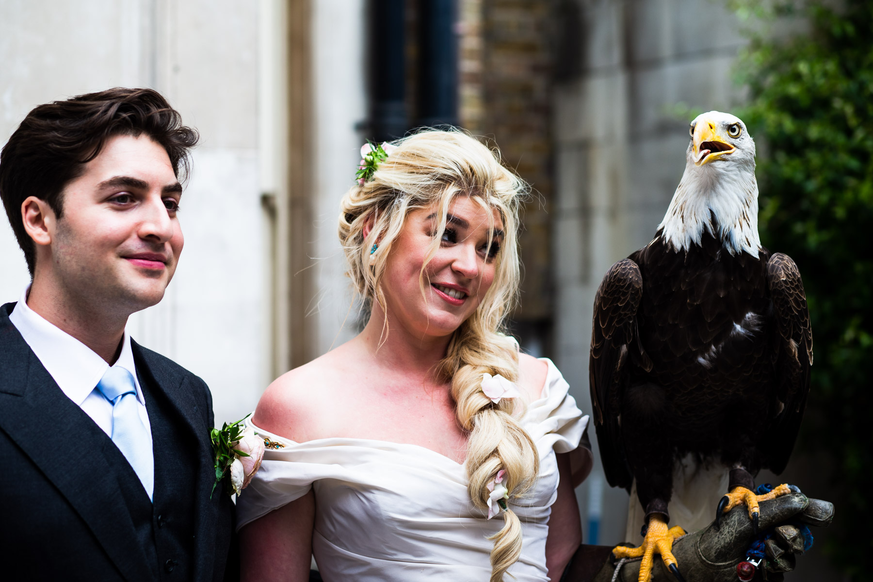Bride and groom at Dartmouth House in Green Park, London.