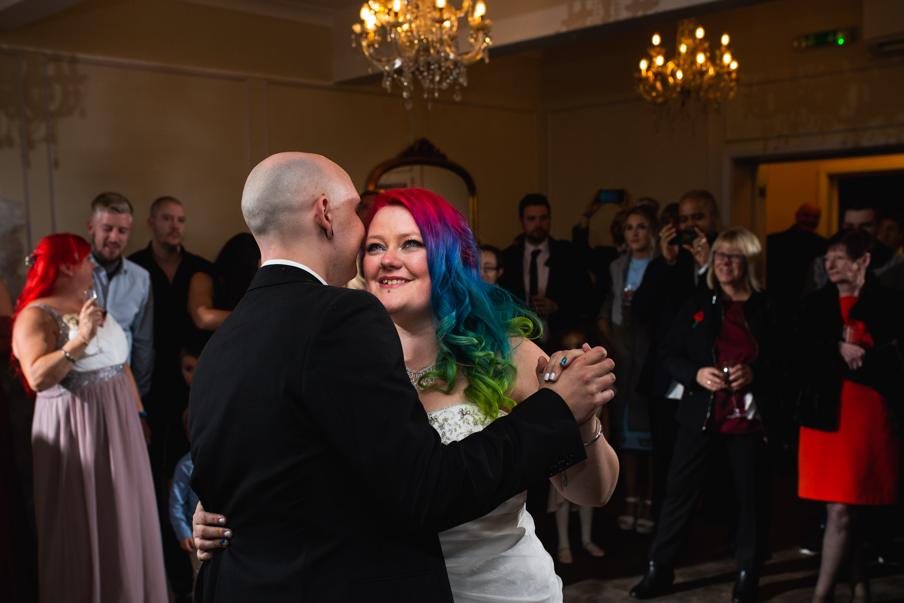Colourful and relaxed first dance